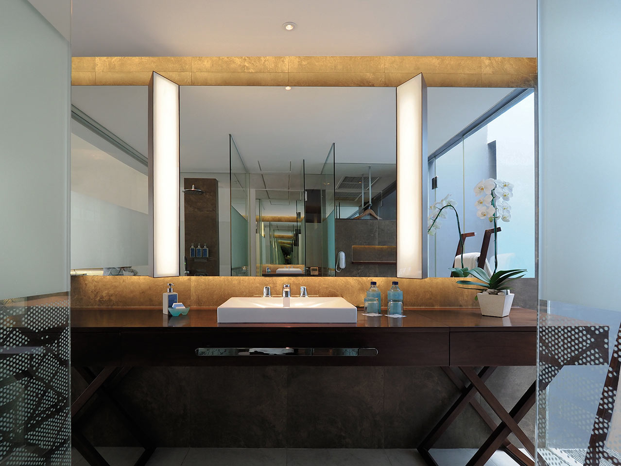 bathroom_style_club_room_ize_seminyak_gallery