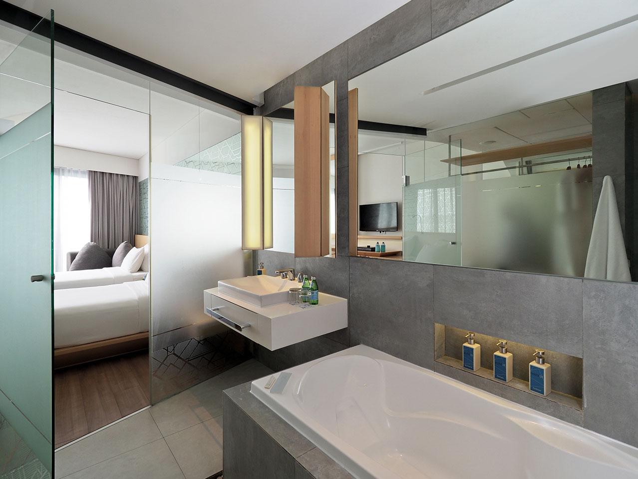 jacuzzi bathroom style ize seminyak